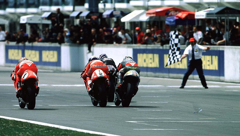 Nürburgring 1997, el espectáculo de las dos y medio con Harada y Max Biaggi