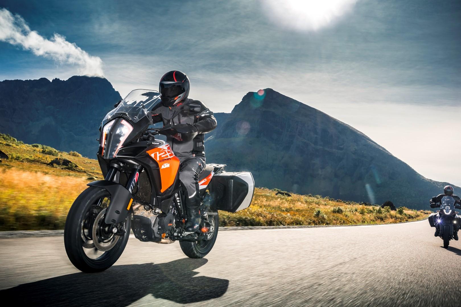 Consigue una KTM 1290 Super Adventure S votando online en La Moto del Año