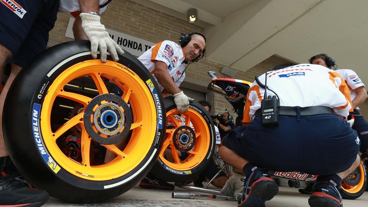 MotoGP y Michelin cambian el reglamento de neumáticos para 2017