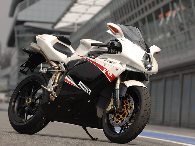 Moto del año 2008