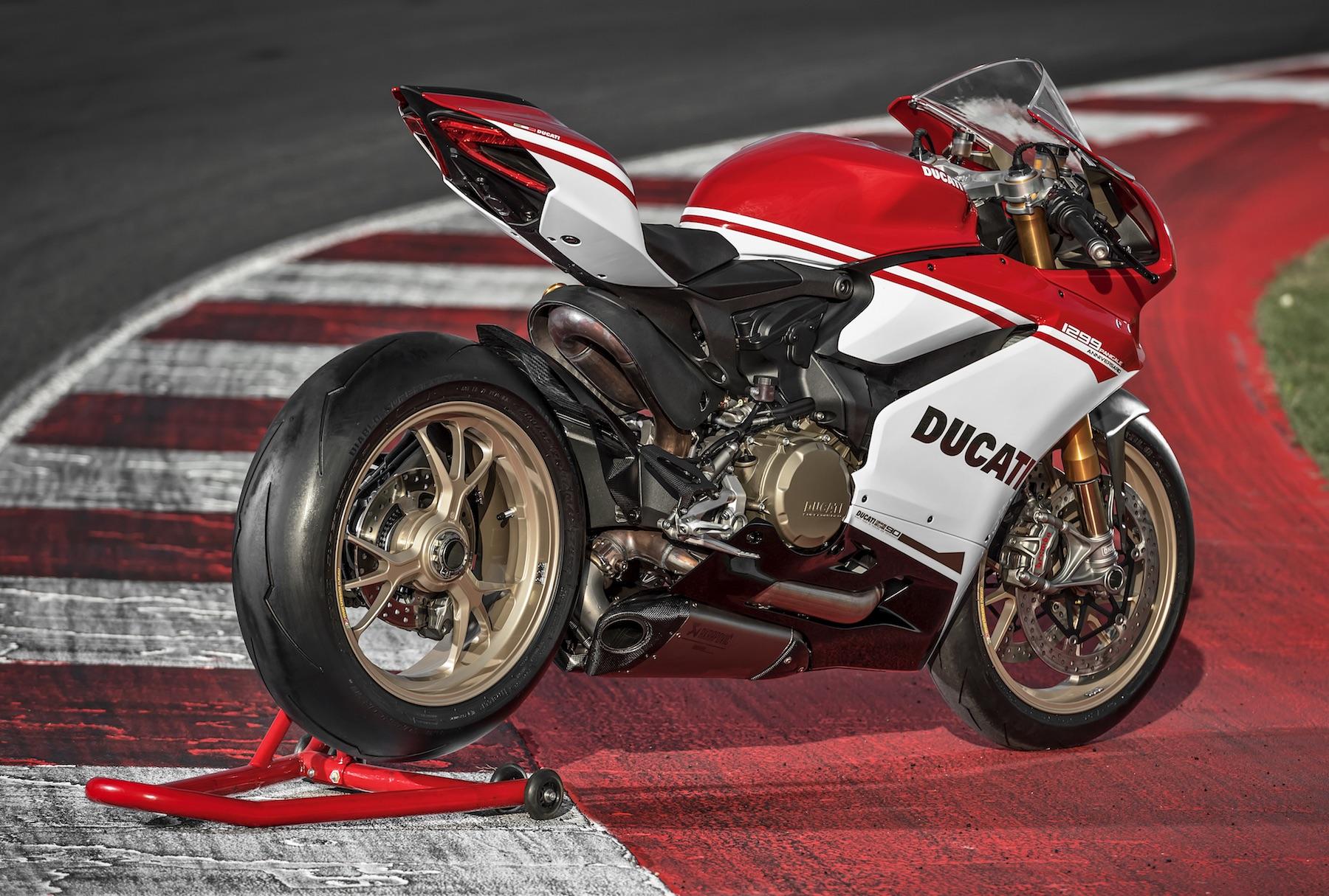 La nueva SBK de Ducati es 4 cilindros en V, dice Claudio Domenicali
