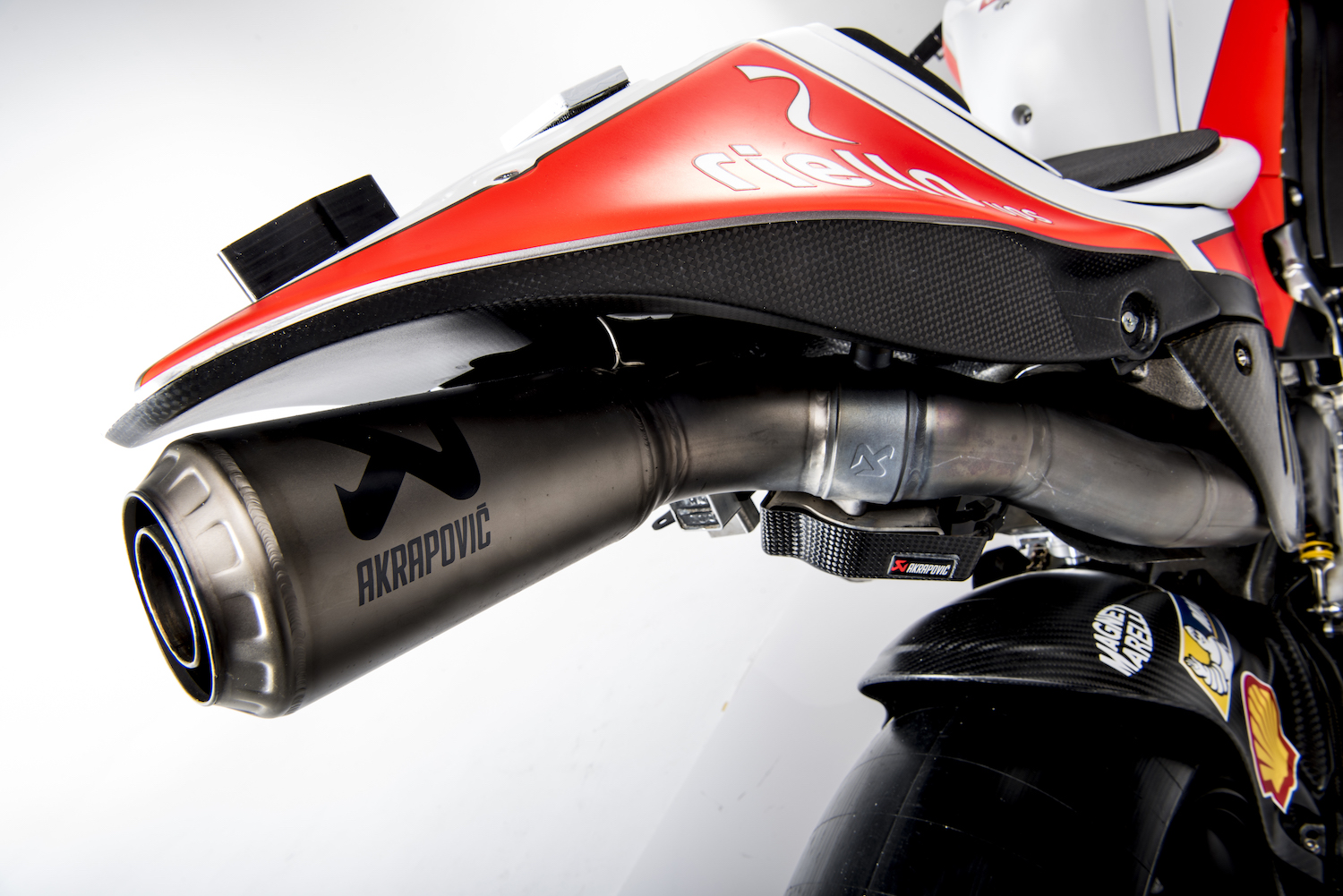 "Escape variable o ""de reactor"" en la Ducati MotoGP, lo que debes saber"