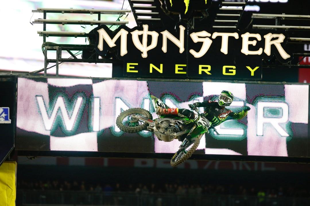 Eli Tomac reaparece y arrasa en el Supercross de Phoenix