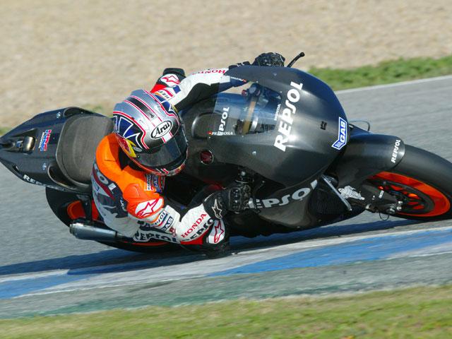 Dani Pedrosa y Honda, los más rápidos. Jorge Lorenzo con Yamaha, impresionante.
