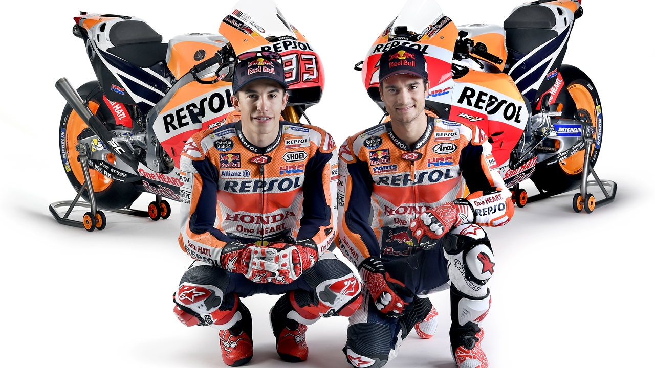 Marc Márquez y Dani Pedrosa desvelan la Honda RC213V 2017 de MotoGP