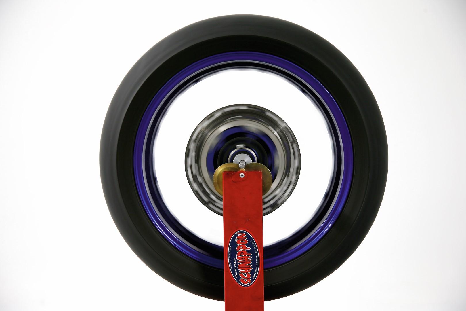 Cómo equilibrar la rueda de tu moto