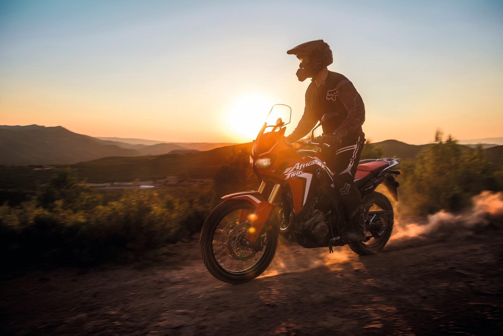 La esencia de la Honda Africa Twin, en el desierto