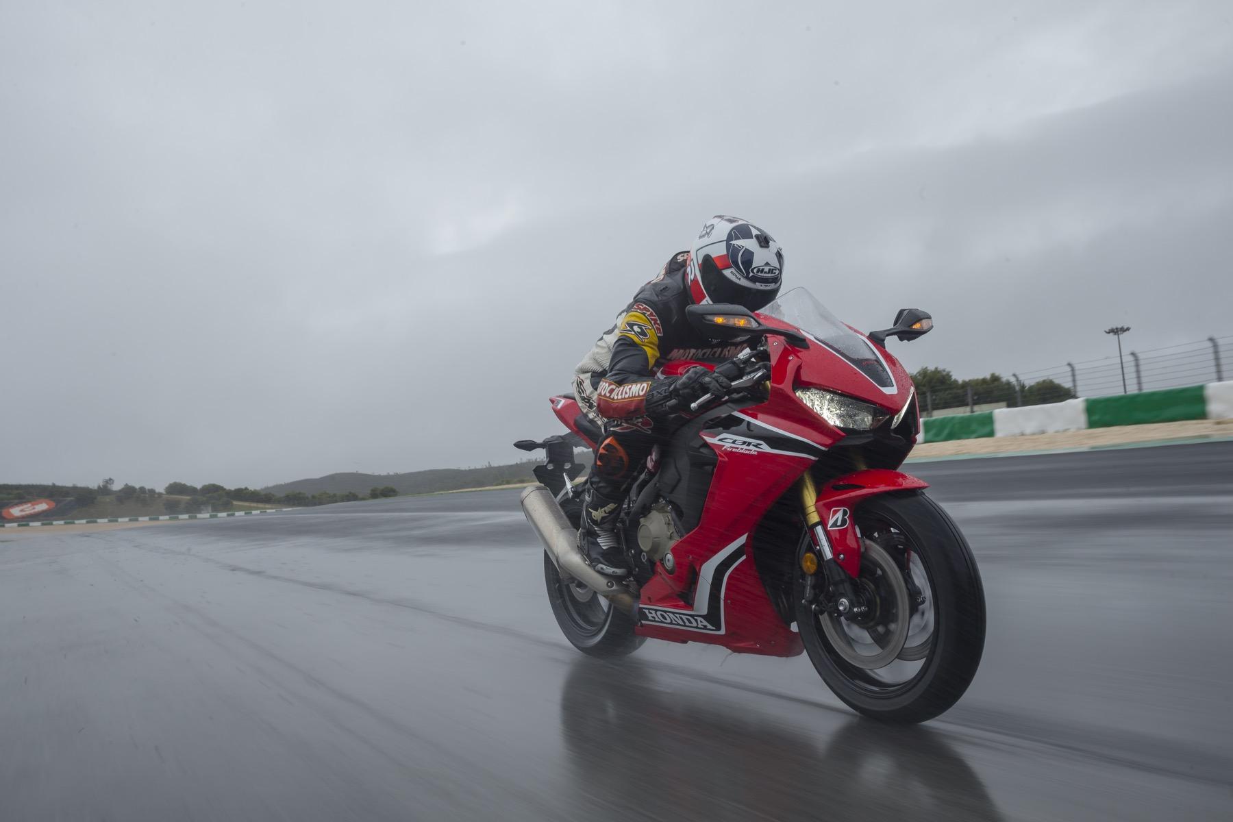 Honda CBR 1000 RR 2017, la prueba ahora en vídeo