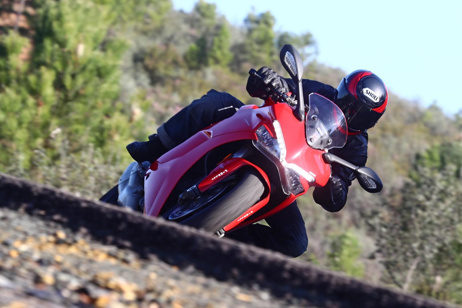 Ducati SuperSport y SuperSport S, prueba, ficha técnica y primeras impresiones