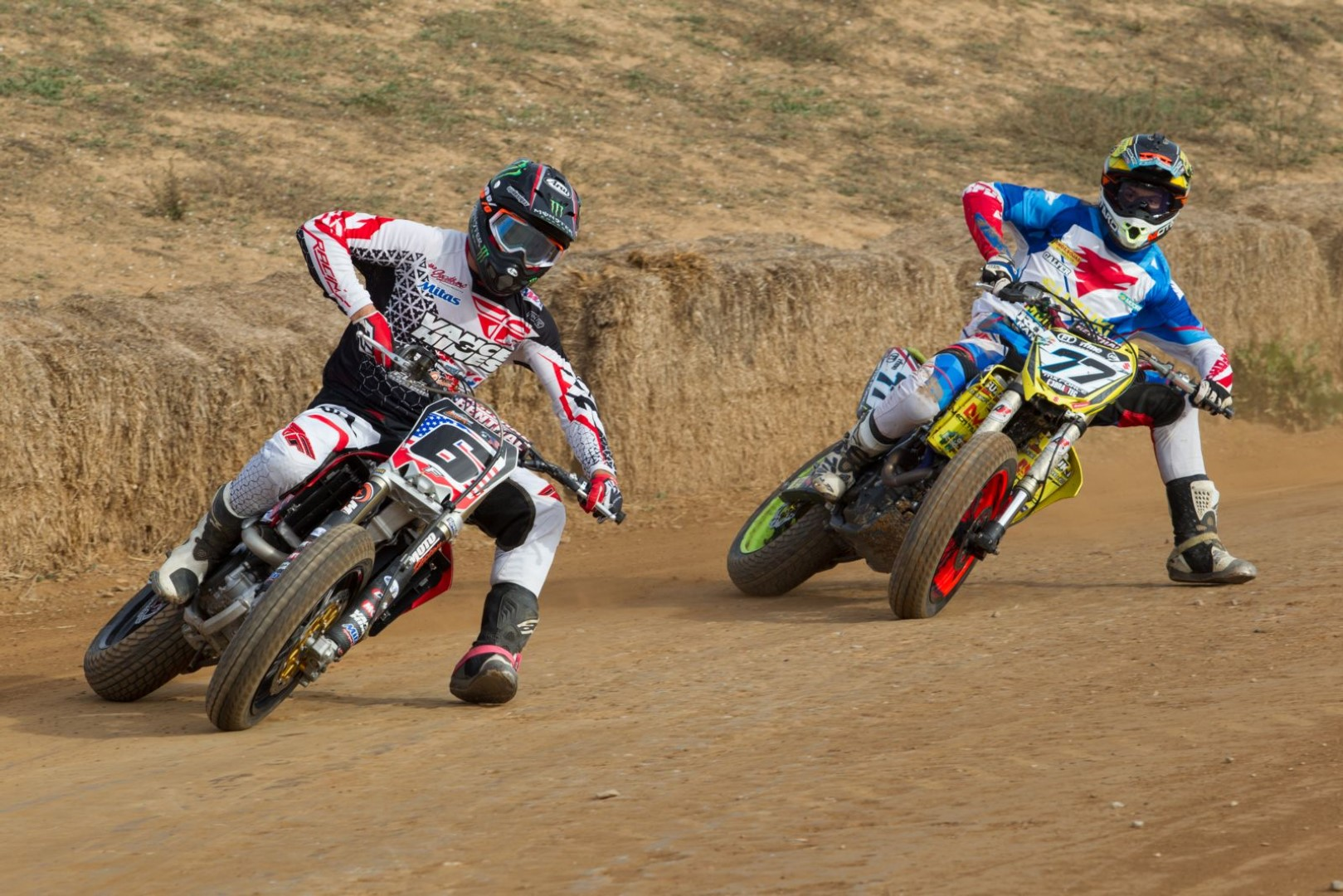 Los españoles Ferrán Cardús y Franc Serra en el American Flat Track