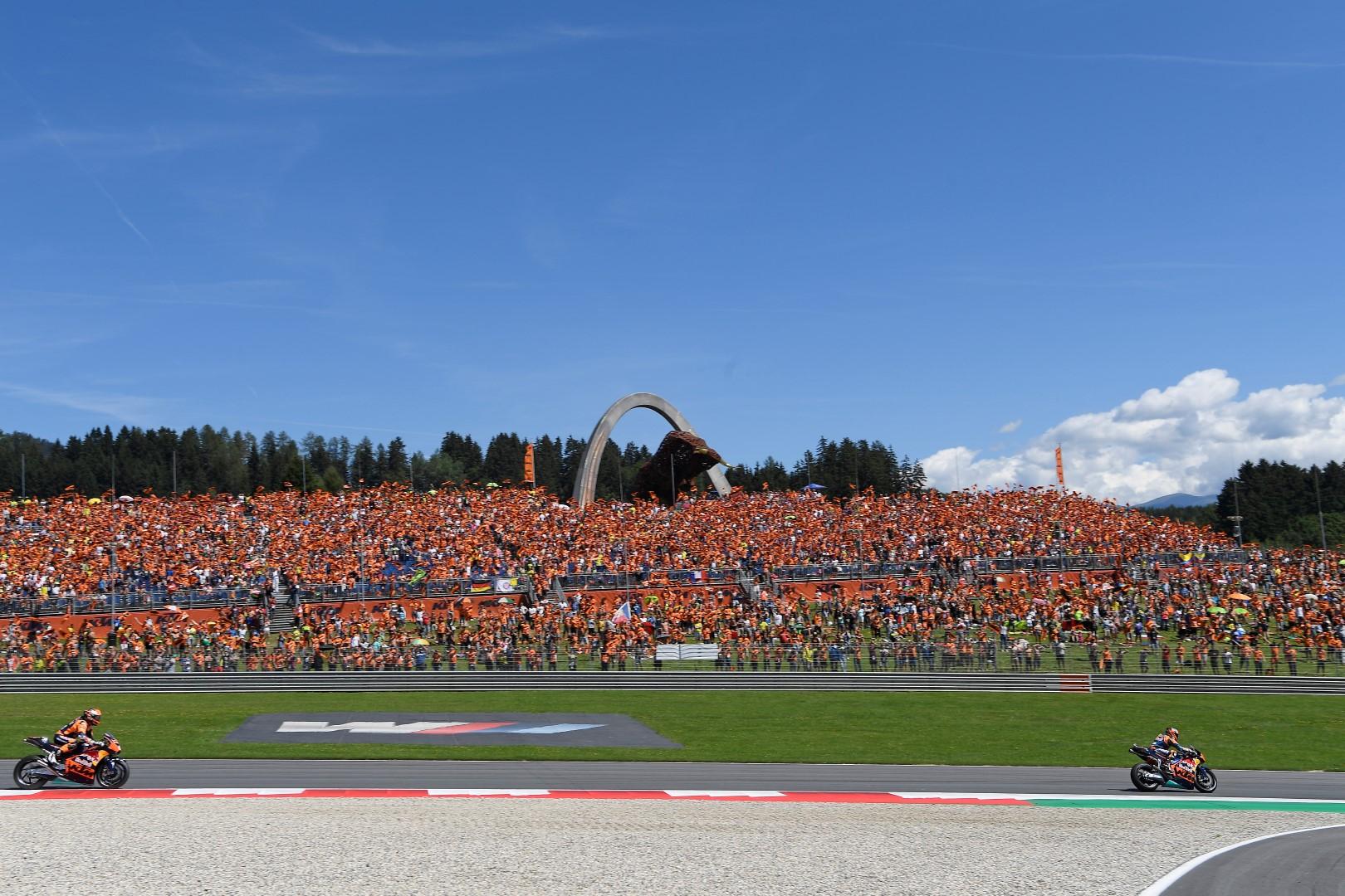 Tribuna KTM en los Grandes Premios de Cataluña y Jerez