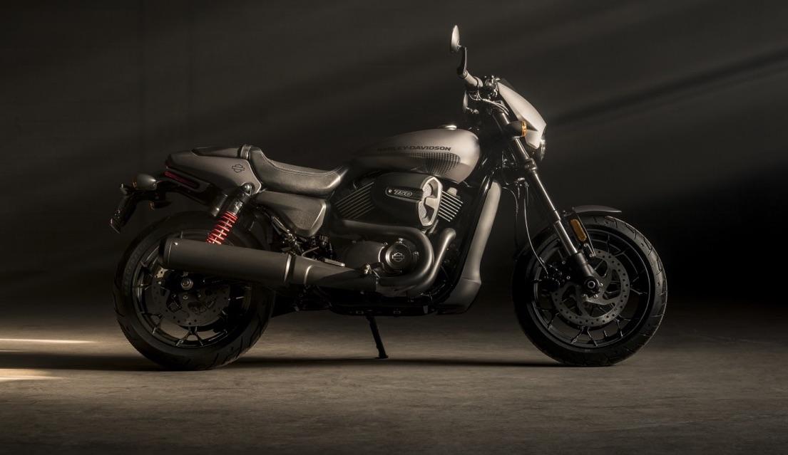 Harley-Davidson Street Rod, la gama Street saca músculo y se hace más deportiva