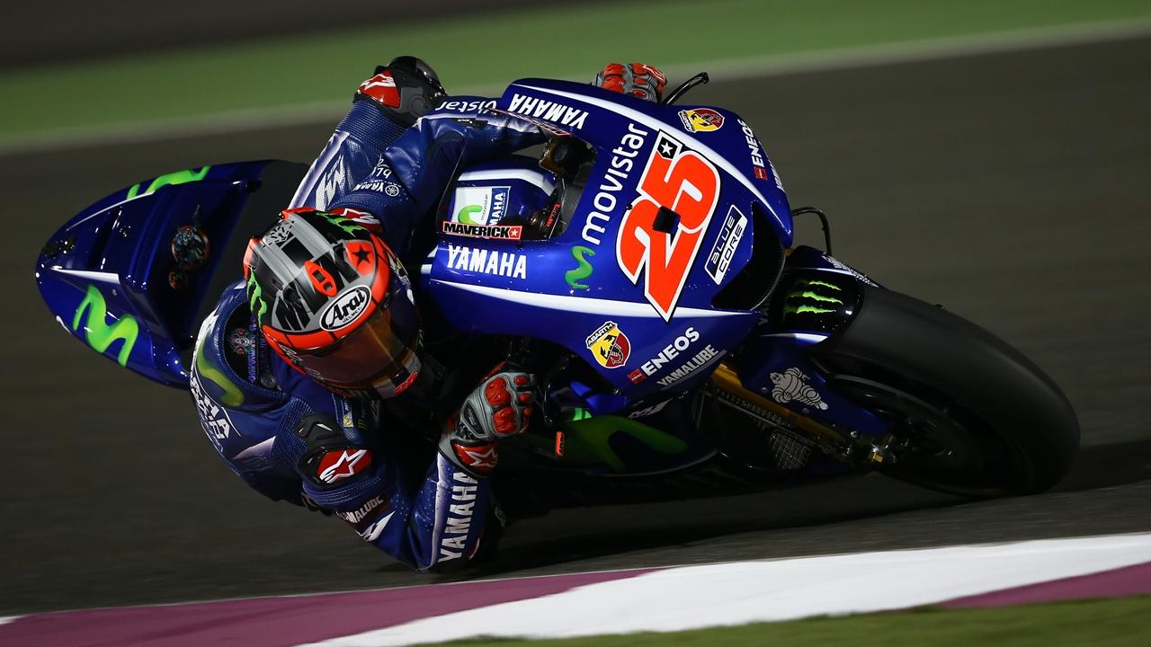 """Maverick Viñales tiene """"muy buen feeling"""", Valentino Rossi sufre """"al entrar en curva"""""""