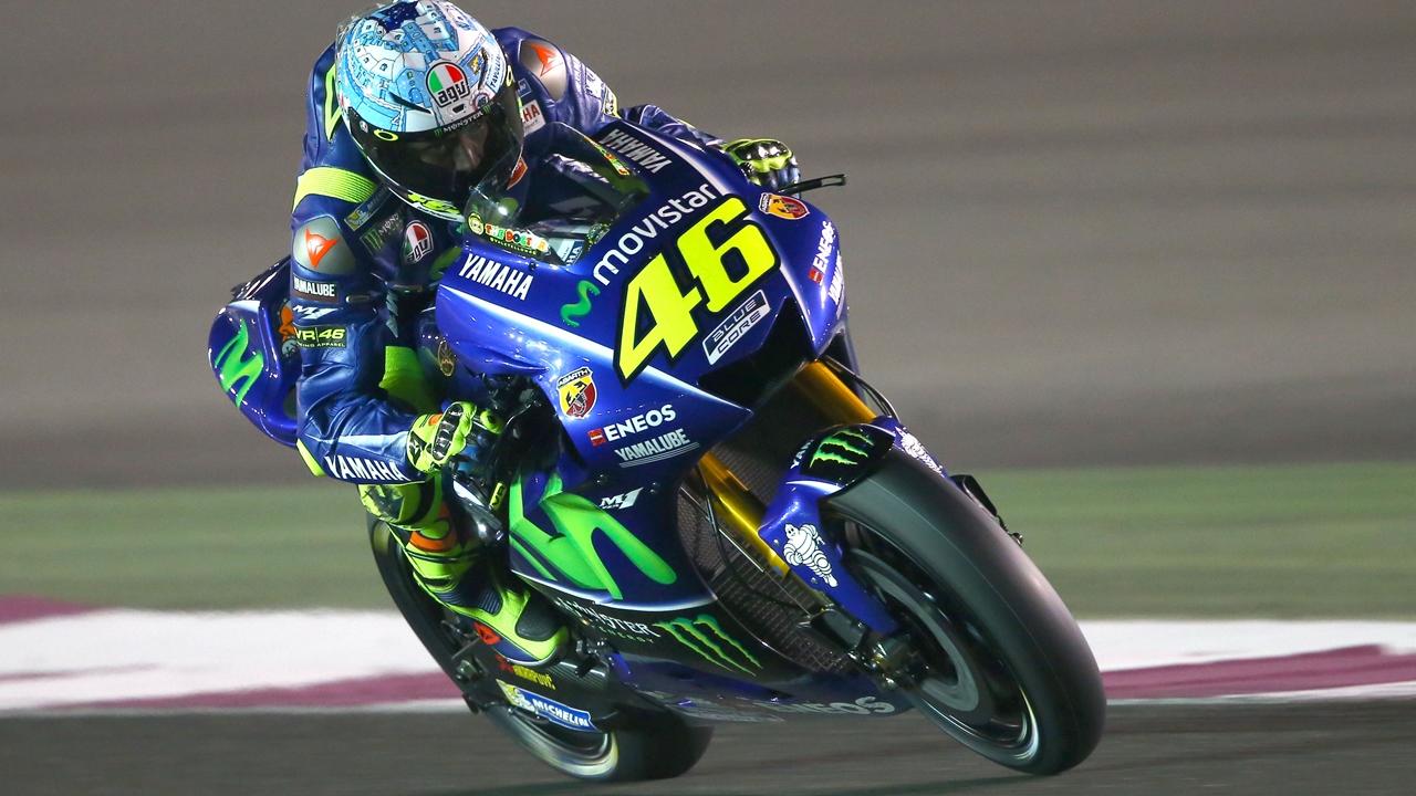 """Valentino Rossi quiere """"modificar la moto"""" y Maverick Viñales """"mejorar la frenada"""""""