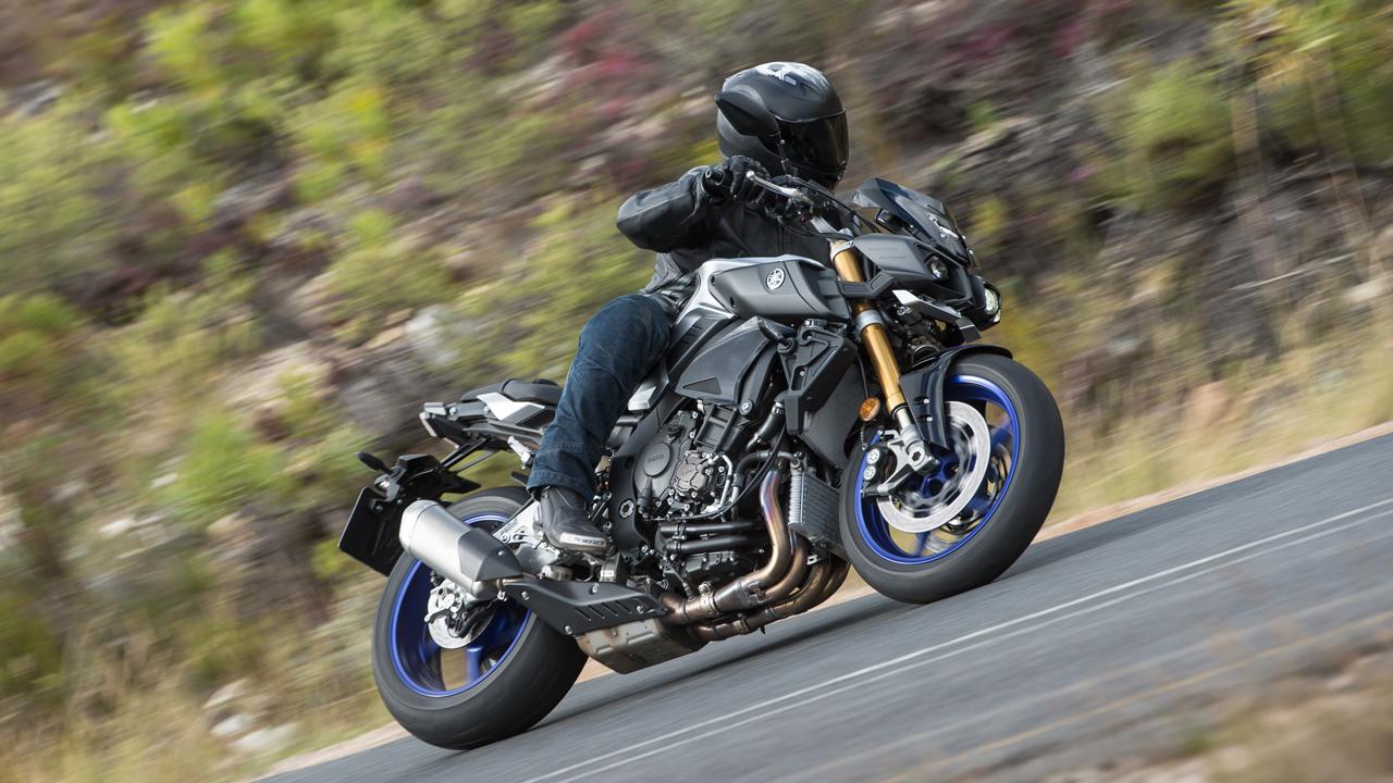 Yamaha MT10 Tourer y SP, prueba, ficha técnica y primeras impresiones
