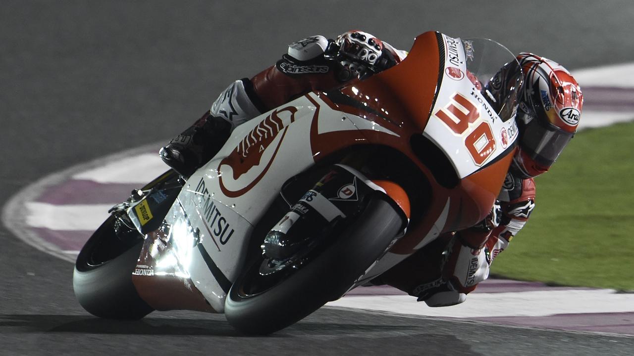 Takaaki Nakagami y Romano Fenati lideran Moto2 y Moto3 en Qatar