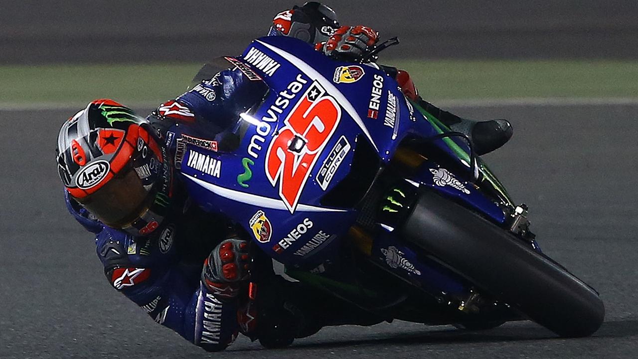 Maverick Viñales arrasa la noche del jueves en el inicio de MotoGP 2017 en Qatar