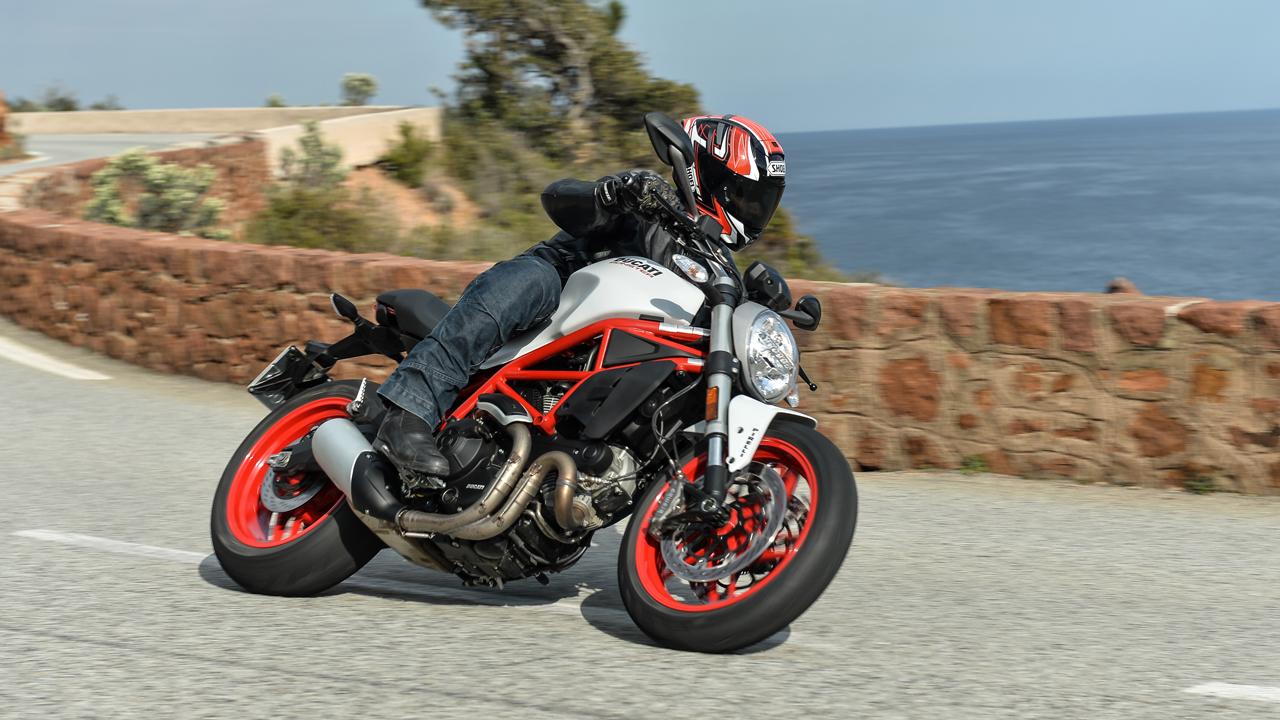 Ducati Monster 797, prueba, ficha técnica y primeras impresiones