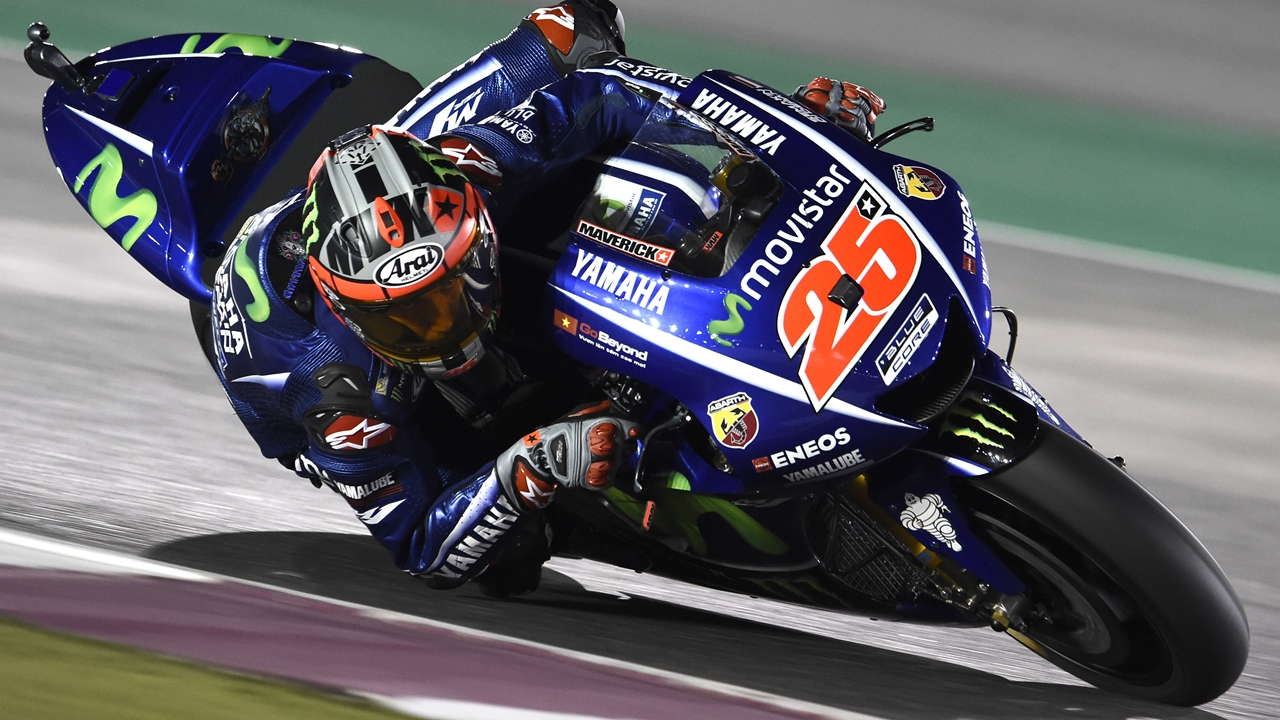 Maverick Viñales conquista Qatar con el plan B y es el primer líder de MotoGP 2017