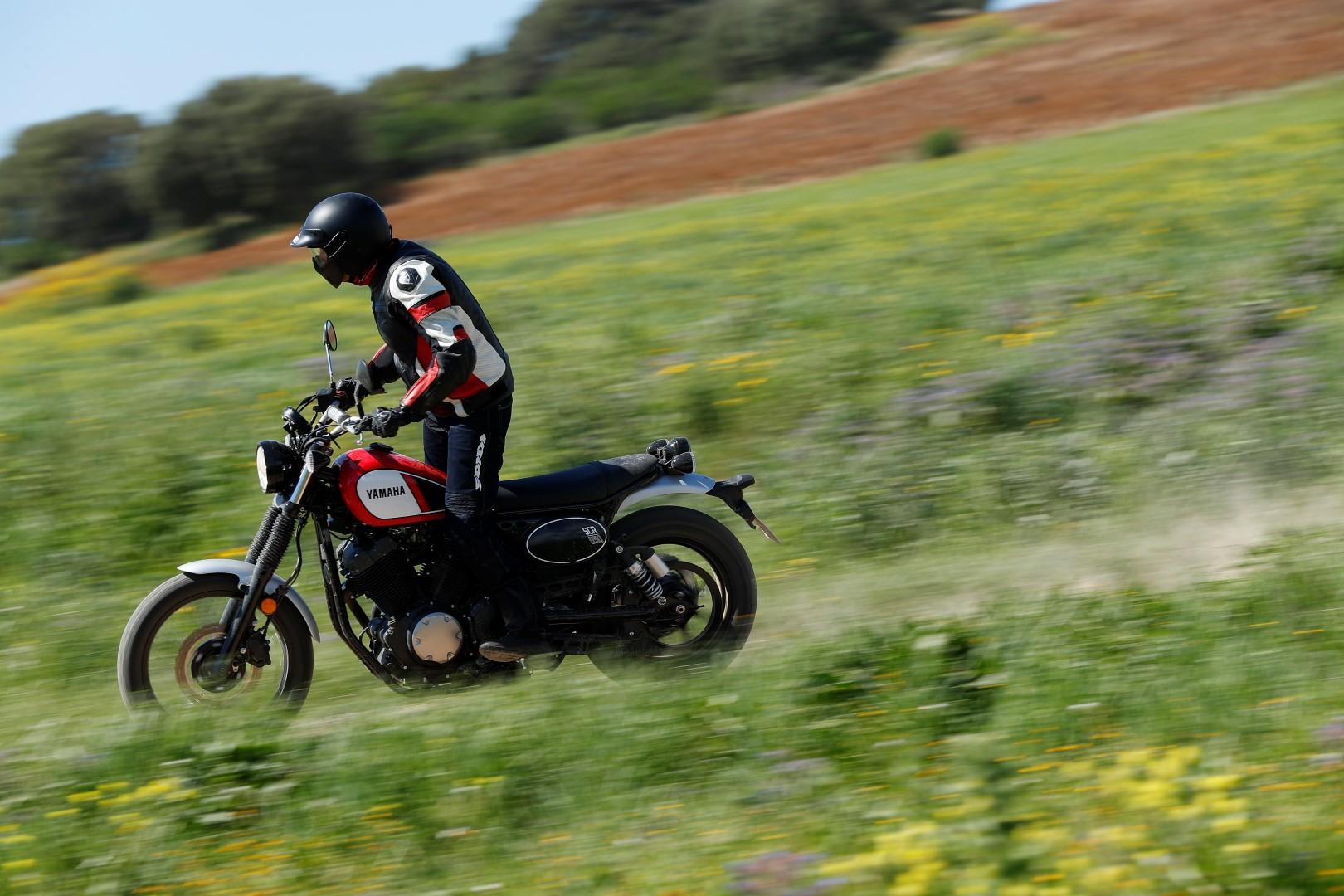 Yamaha SCR950: prueba, ficha técnica y primeras impresiones