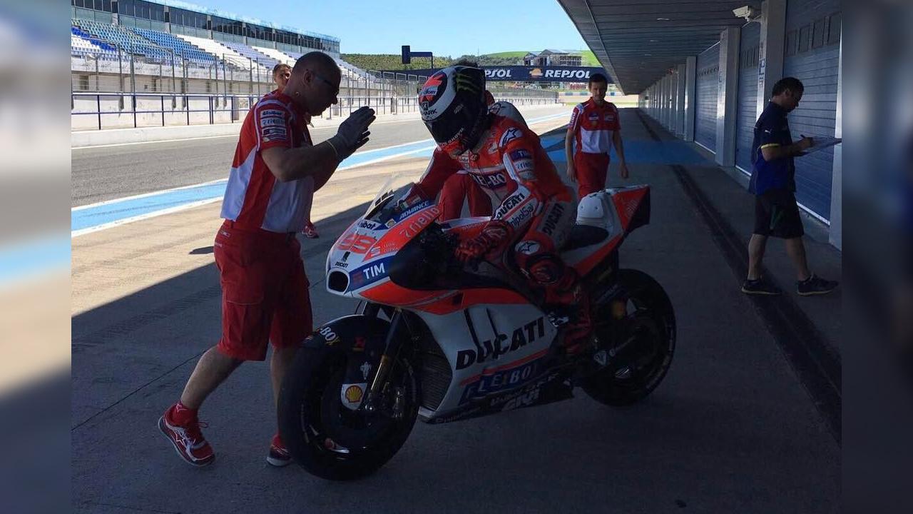 """Test Ducati MotoGP en Jerez, sin caídas y Jorge Lorenzo probando el carenado """"Hammerhead"""""""