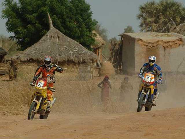 La Fundación Dakar Solidario carga hoy sus camiones