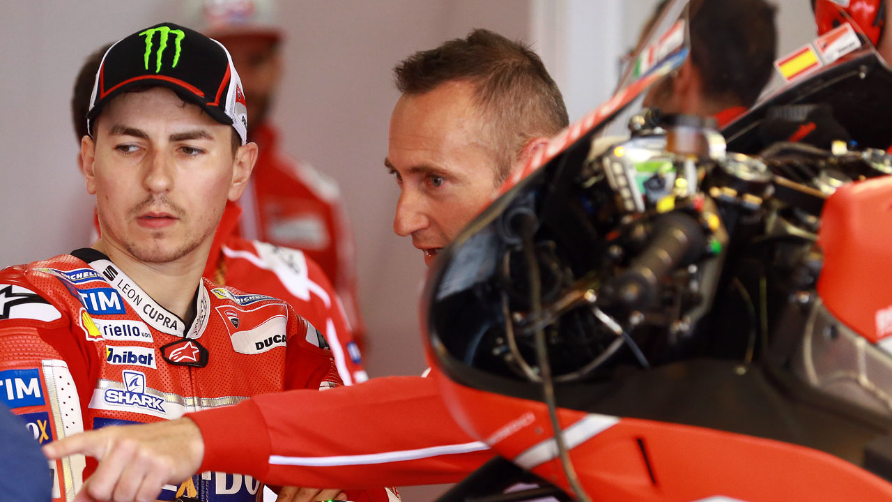 Jorge Lorenzo y la ergonomía de su Ducati