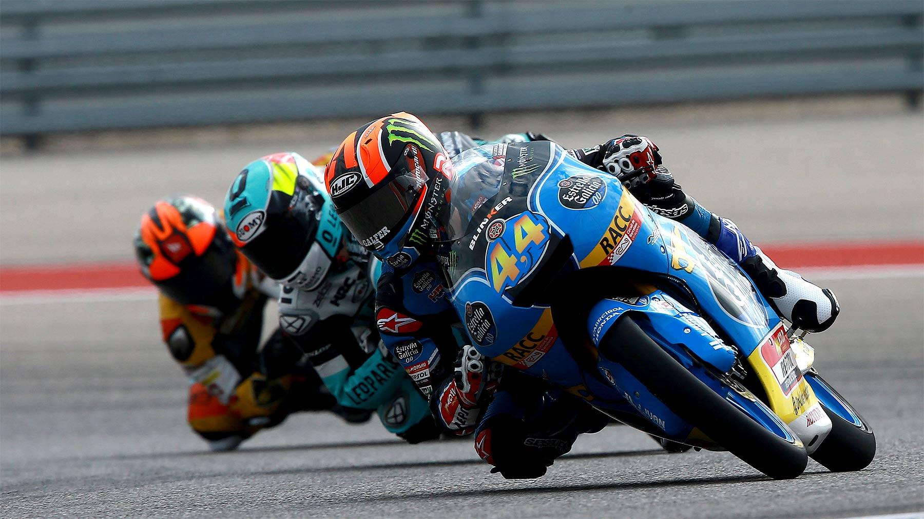 Arón Canet mete un mundo a sus rivales en los libres de Moto3