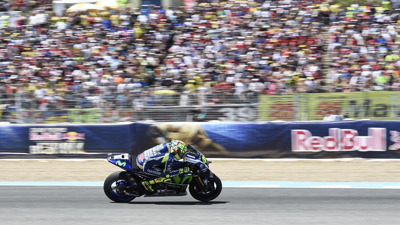 Valentino Rossi busca el décimo en Jerez ante la triple amenaza española