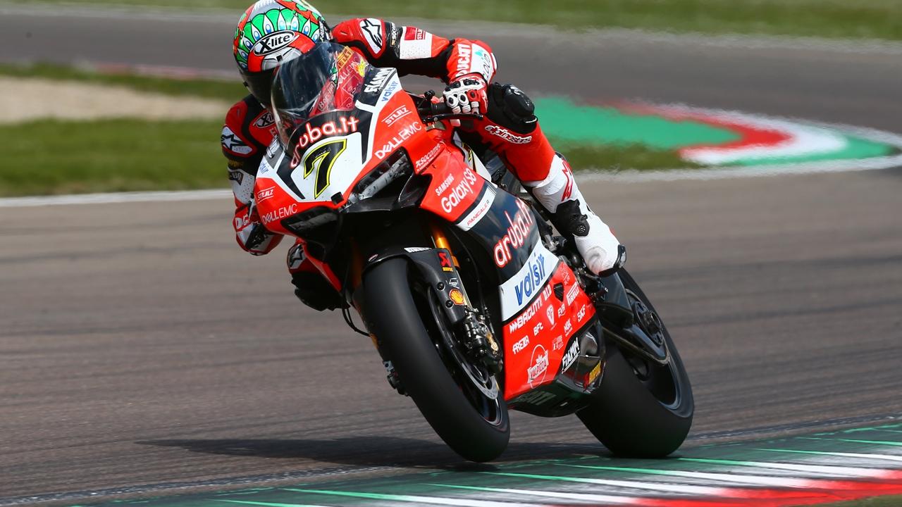 Chaz Davies machaca en casa de Ducati pero Jonathan Rea amplía su liderato