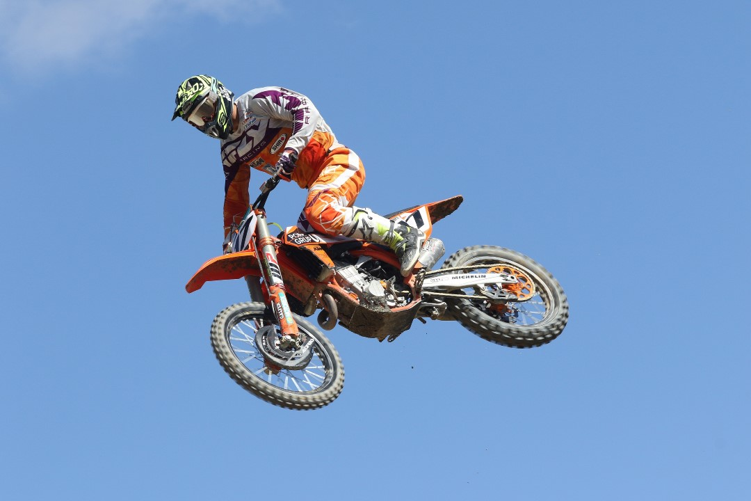 José Antonio Butrón arrasa en el Motocross de Calatayud