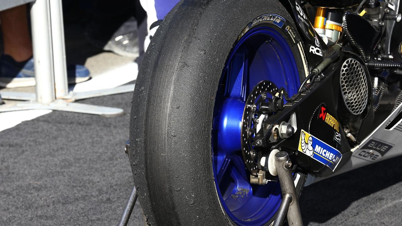 Michelin da un paso atrás y volverá al neumático 2016 en Mugello
