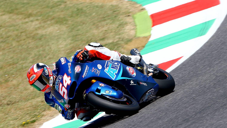 Mattia Pasini se crece en Mugello y gana la mejor carrera del año en Moto2