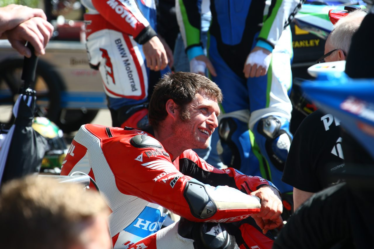 """Guy Martin: """"Estoy cabreado con la moto, sí… pero sólo necesita tiempo"""""""