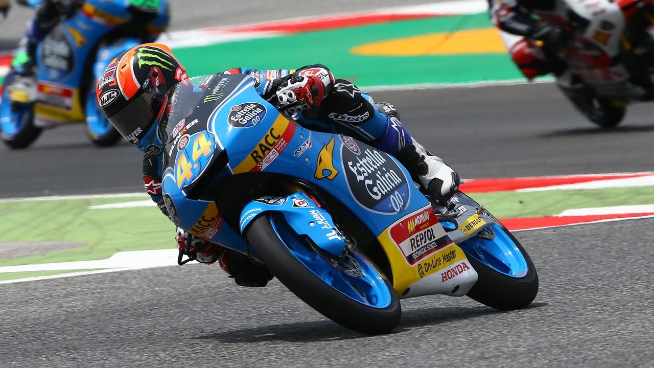 Arón Canet es profeta en casa en el viernes de Montmeló en Moto3