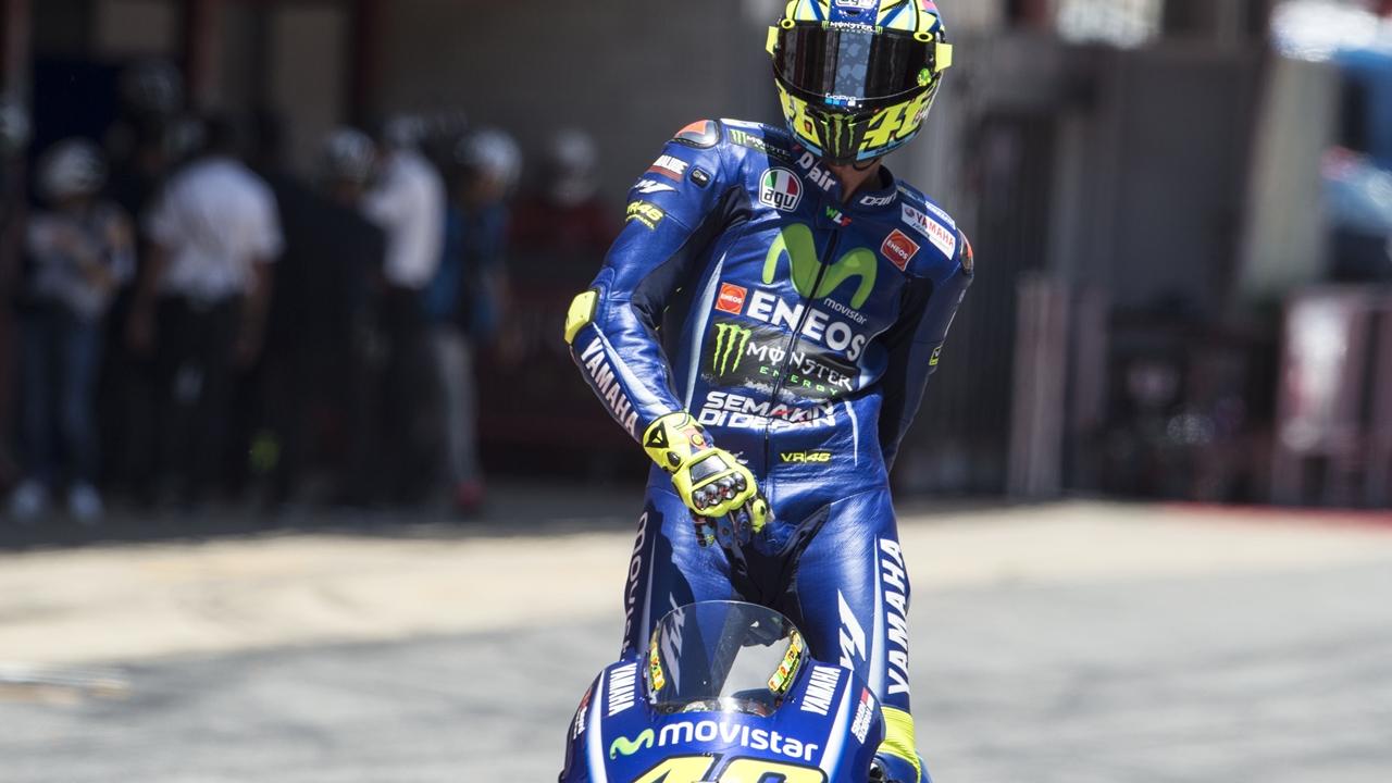 """Valentino Rossi contradice a Maverick Viñales: """"El problema está en la Yamaha"""""""