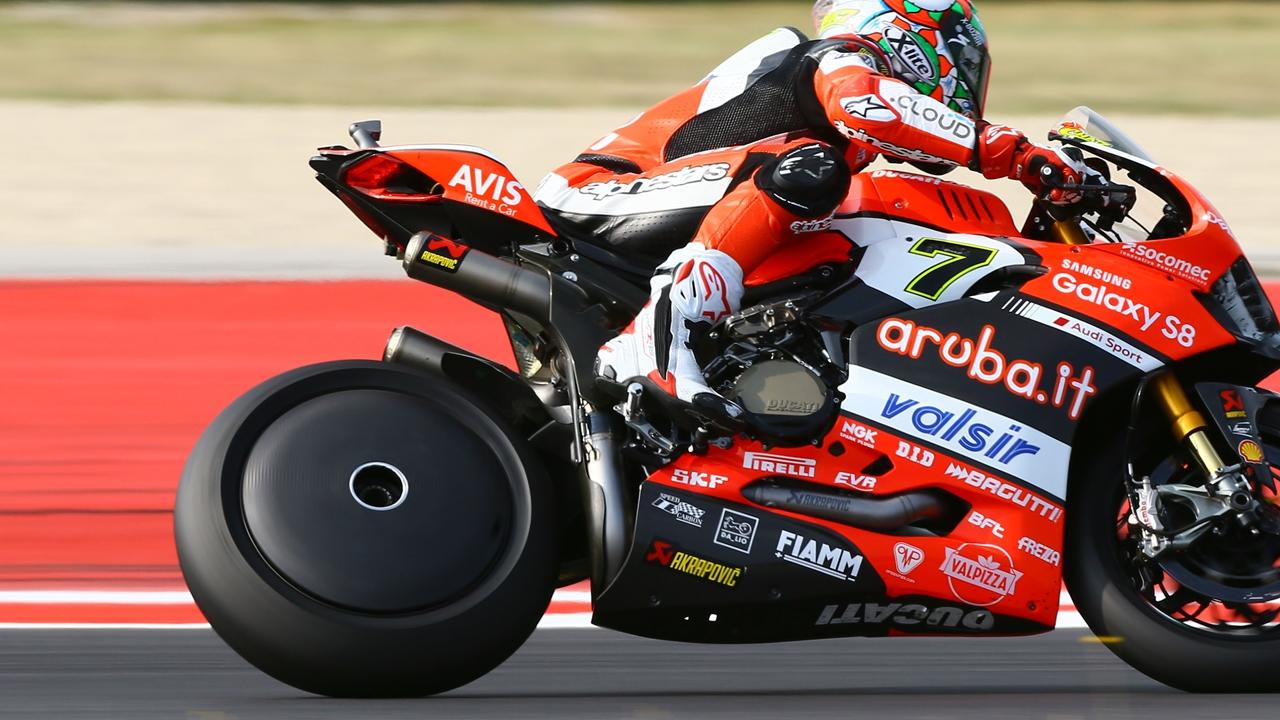 Ducati prueba esta curiosa llanta lenticular en SBK