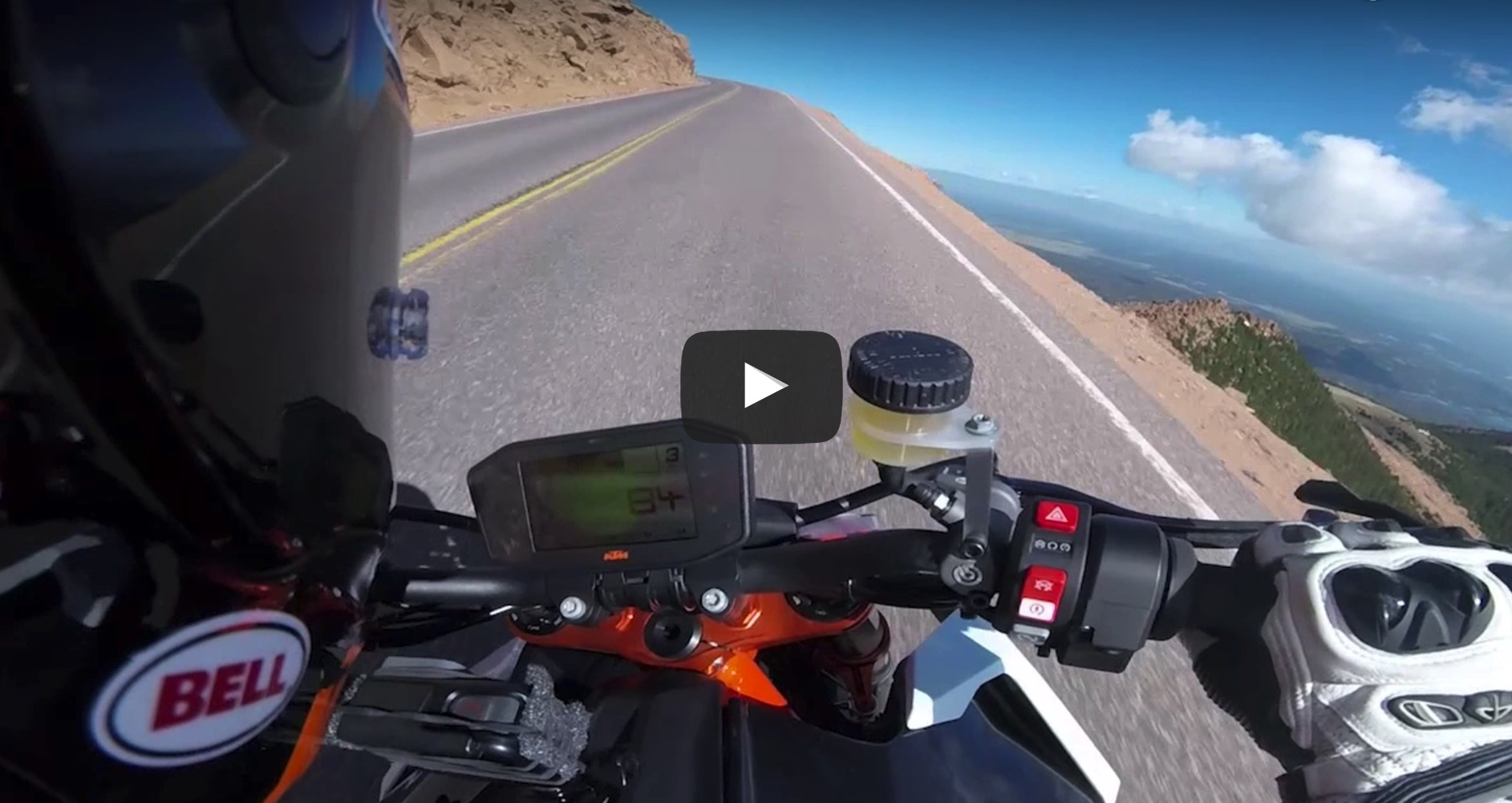 La KTM 1290 Super Duke R arrasa en Pikes Peak y marca nuevo récord
