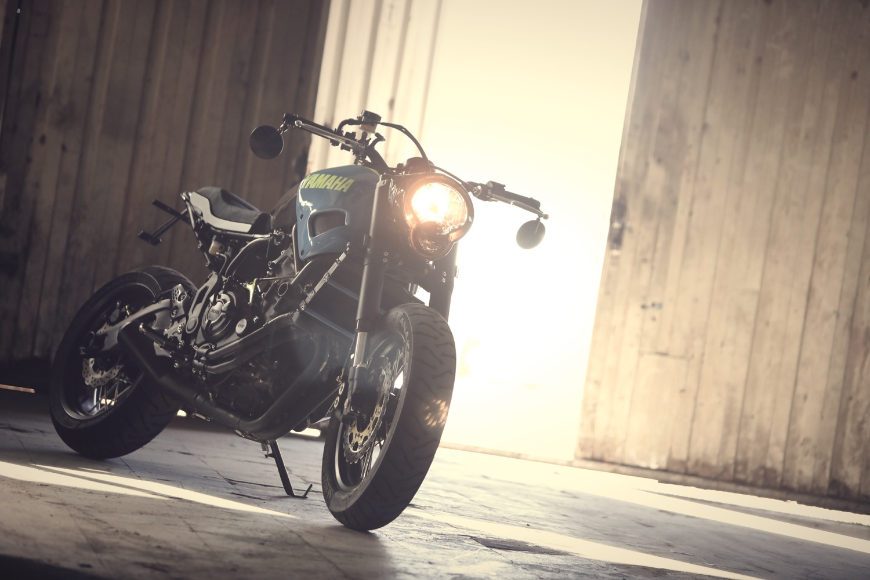 Yamaha XSR700 OTOKOMAE, de la mano de Ad Hoc Café Racers