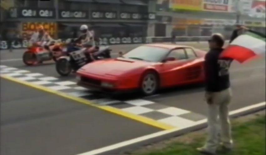 Ferrari Testarossa vs Yamaha FZ 750 vs Yamaha YZR 500, duelo de estrellas de los 80
