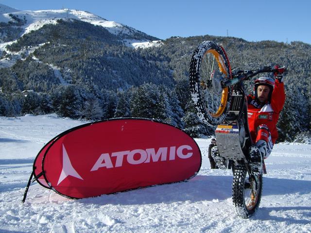 Toni Bou entrena con Atomic