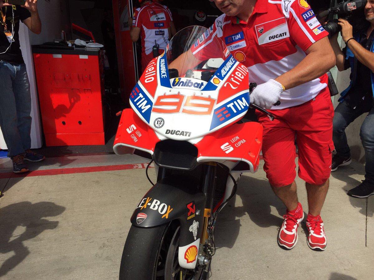 Este es el nuevo y estrafalario carenado de Ducati