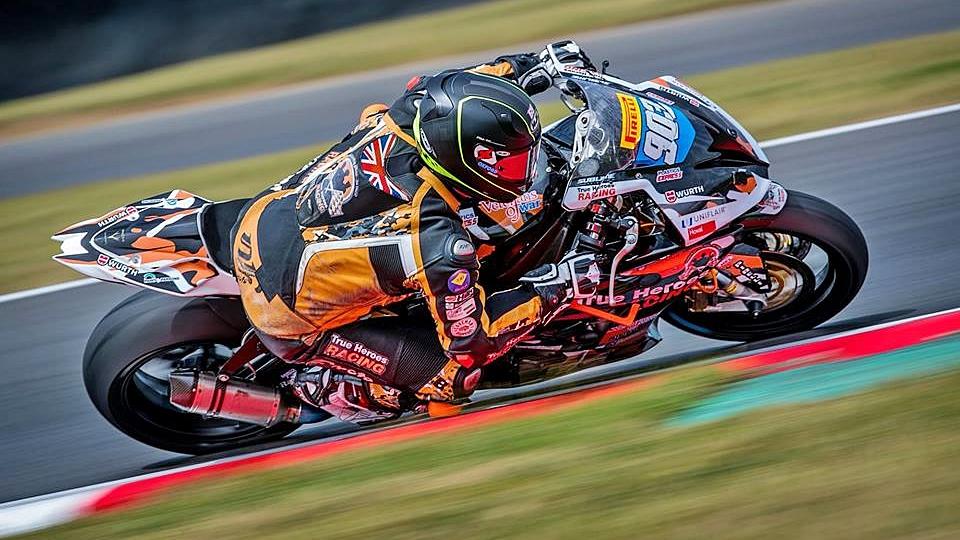 Fallece Mark Fincham durante la prueba del British Superbike en Thruxton