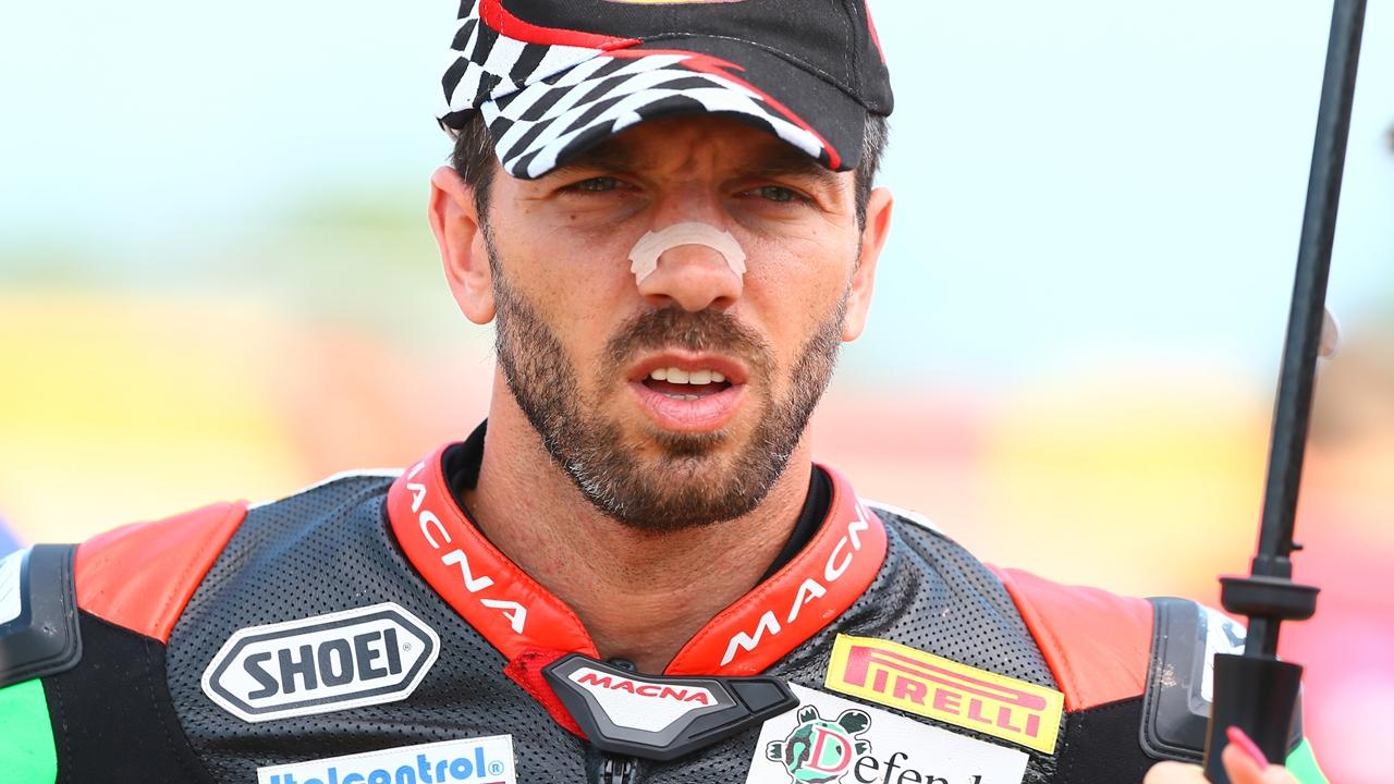 Alex De Angelis se queda sin moto en Superbike, le sustituye Riccardo Russo