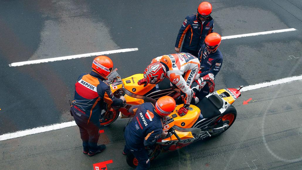 ¿Hay que reinventar el flag to flag en MotoGP?