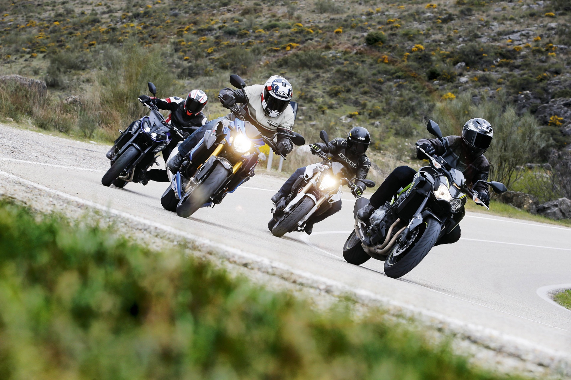 Comparativa naked: Yamaha MT09 vs Kawasaki Z900 vs Suzuki GSX-S 750 vs BMW F 800 R