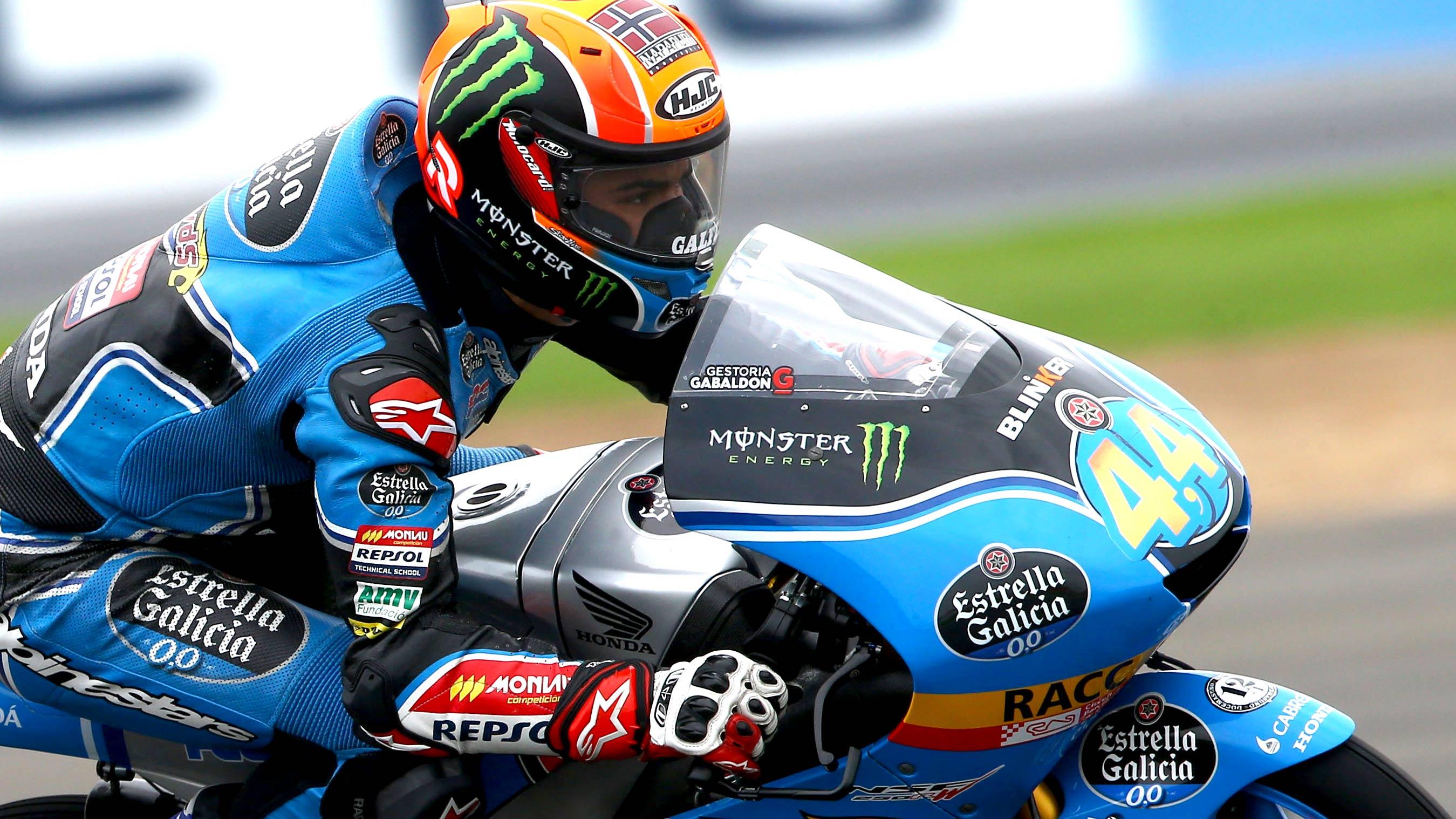 Arón Canet conquista Silverstone en un duelo interminable en Moto3