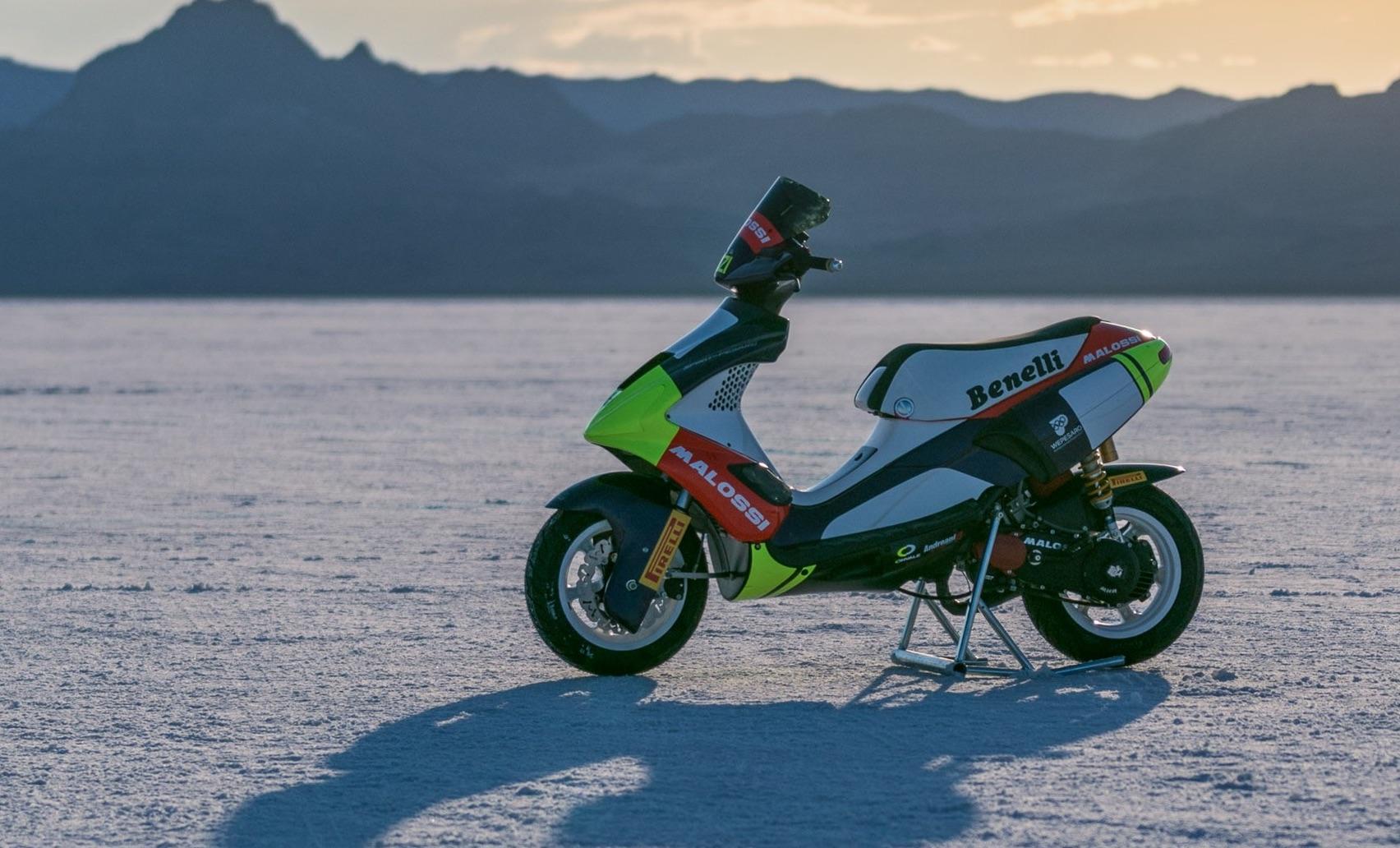 Rompiendo récords en Bonneville con un scooter de 50cc
