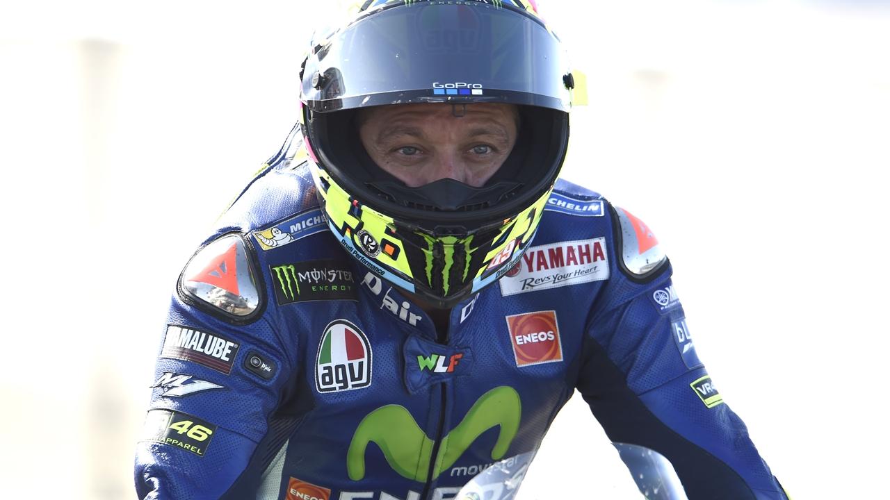 Valentino Rossi sufre sendas fracturas con desplazamiento en tibia y peroné