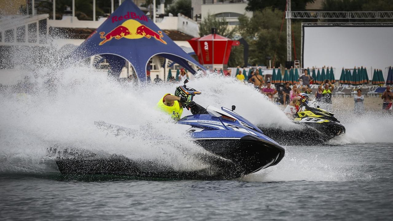 Andrea Dovizioso también gana en el agua